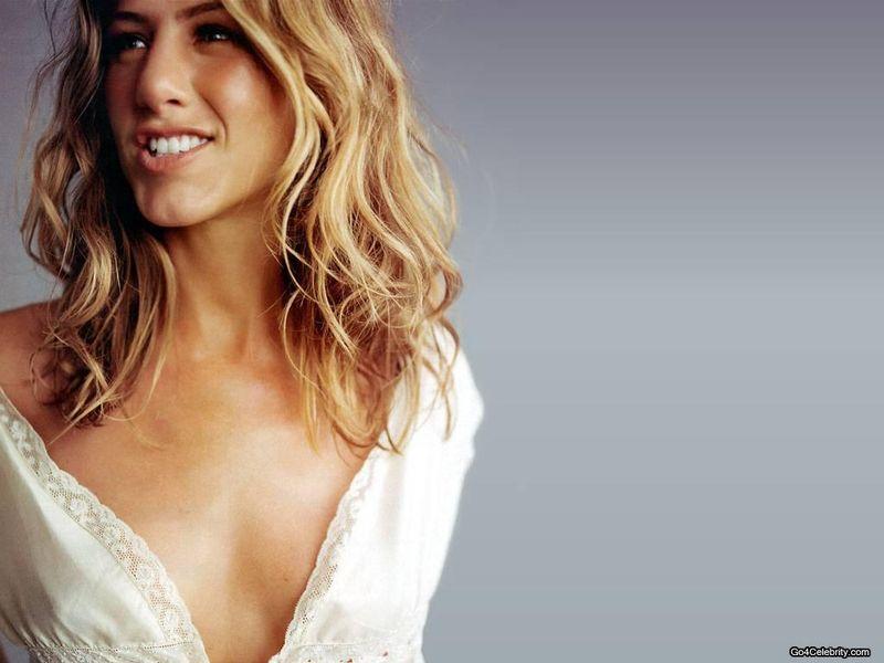 Jennifer-Aniston-011